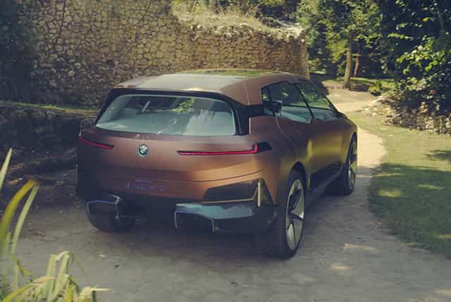 BMW iNext 2022